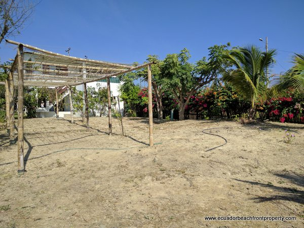 oceanview garden home for sale in Ecuador