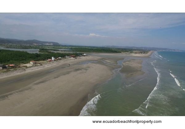 Beachfront house for sale at La Boca in Ecuador