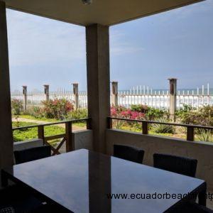 3 Bedroom Beachfront Condo with Oversized Porch