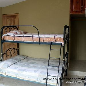 Bunk beds in guest room 2