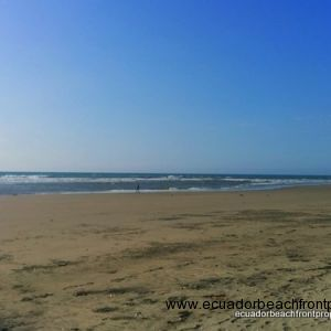 Wide, sandy beach in front