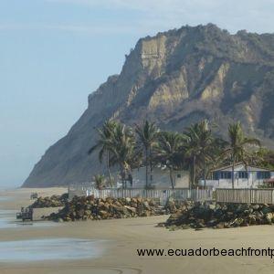 Punta Bikini cliffs
