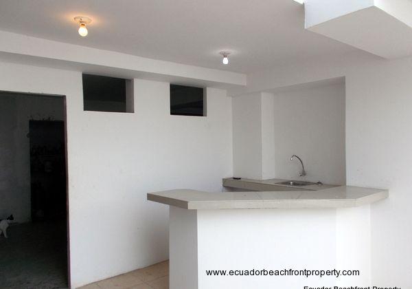 Ground level common area kitchen