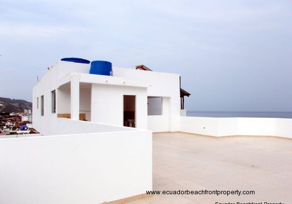 Roof top terrace kitchen, BBQ an Social bath