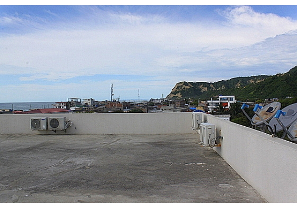 Rooftop has 360 degree views and ample space to set up your lounge chairs to soak in the sun or enjoy the sunset with cocktails