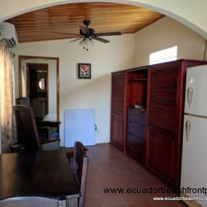 1 bedroom/1 bath guest house