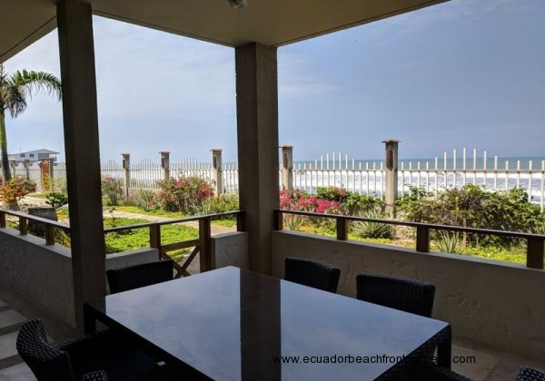 3 Bedroom Beachfront Condo with Oversized Porch