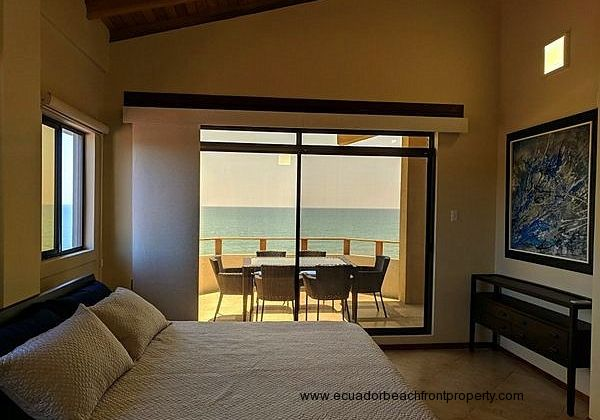 Oceanfront penthouse for rent