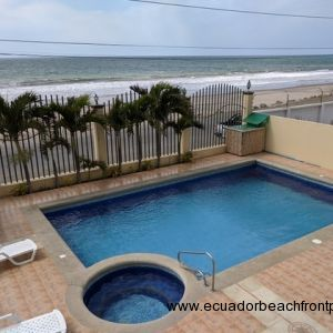 Comfortable beachfront living