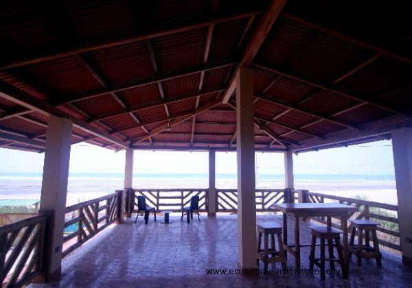 Rooftop terrace facing the ocean