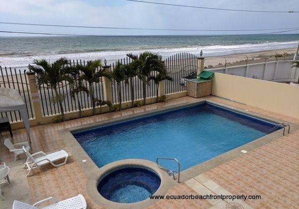 Oceanview home for sale in Crucita Ecuador