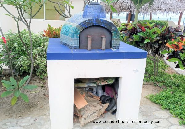 Common pizza oven