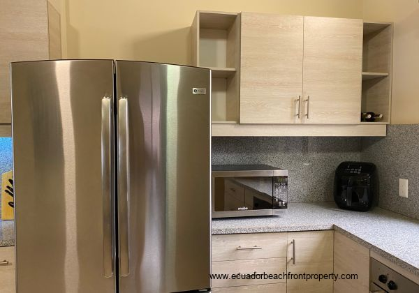 Fully fitted kitchen with top grade appliances.