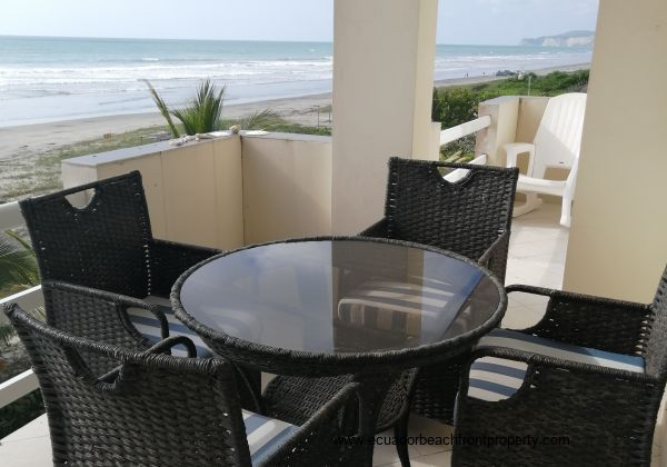 Enjoy your morning coffee on the balcony and enjoy the spectacular sea view!