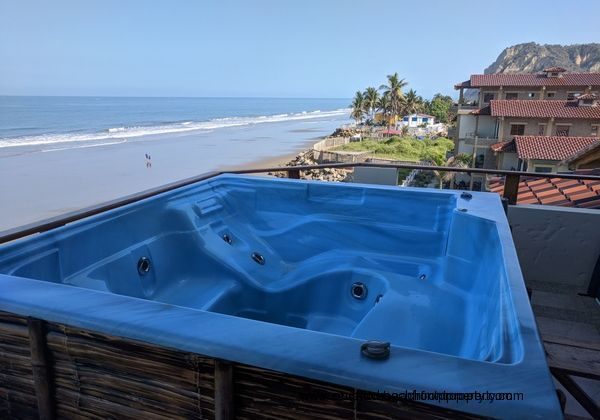 Private 4 person hot tub on the balcony.
