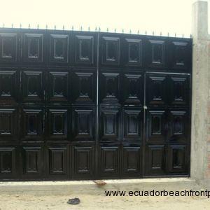 Entryway gate
